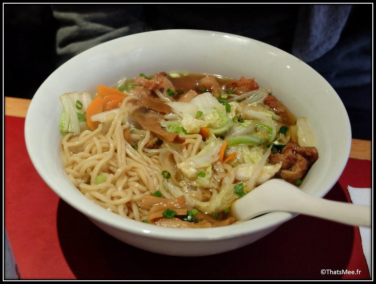 Resto Sapporo ramen rue Sainte Anne Paris, gastronomie plat traditionnel japonais soupe boeuf nouilles