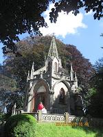 Mausoleum in Houtaing