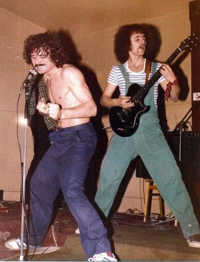 http://3.bp.blogspot.com/-0qGaT6vQrnc/TVPiYrCNflI/AAAAAAAAABk/n3lKnizr2pc/s1600/beatrice-1981b.jpg