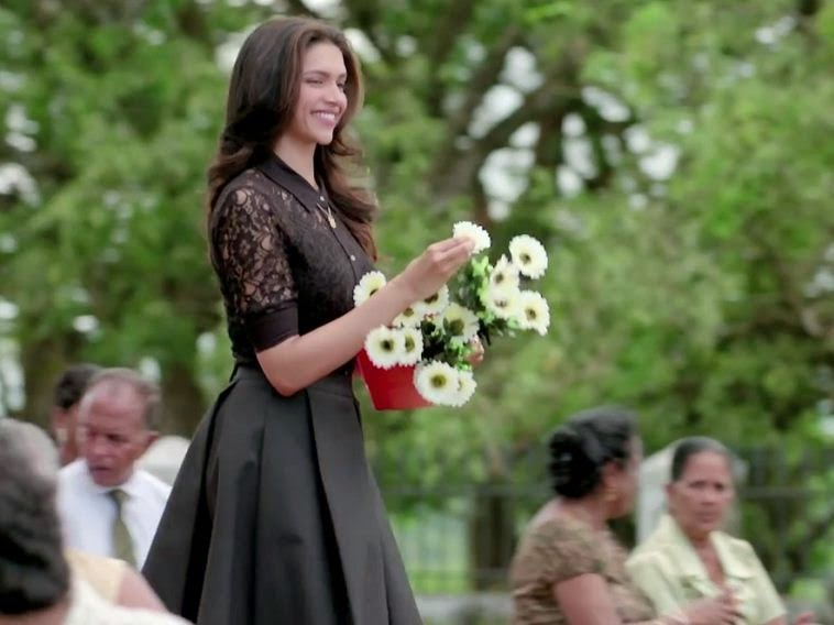 Movie Finding Fanny Black Dress Looks Deepika Padukone