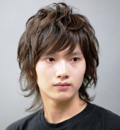men medium length hairstyles. mens medium hairstyles.