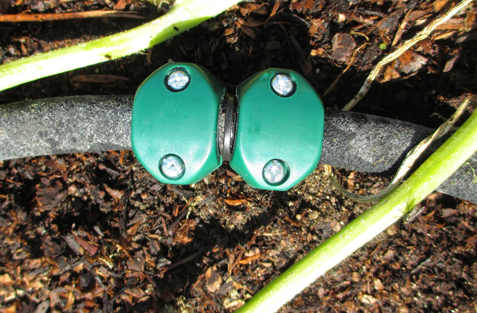 Andie 39 S Way How To Repair A Hose Leak Tips For Beginners