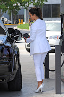 Kim Kardashian Fills Up Her Rolls Royce
