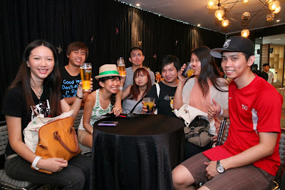 Malaysian bloggers with Heineken