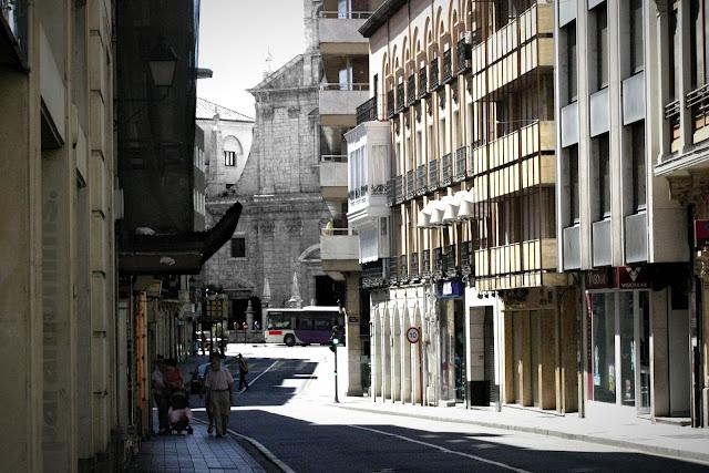 Calle Don Sancho, 2012 (cc) Abbé Nozal