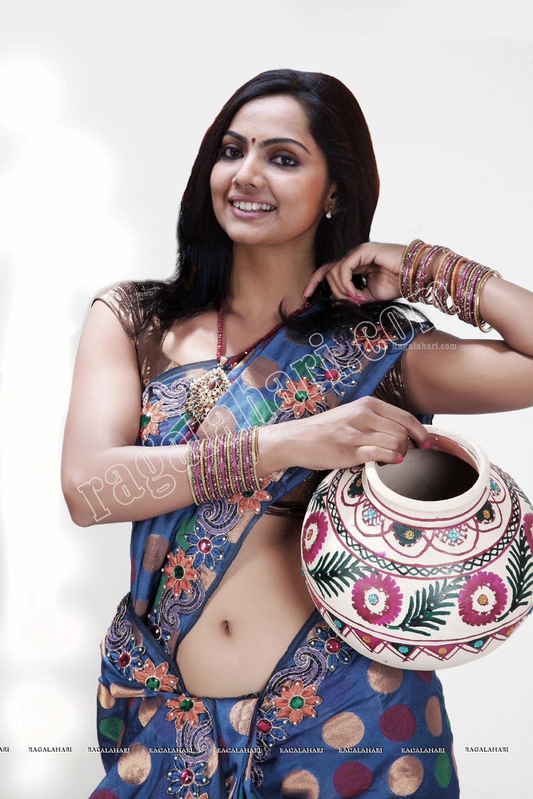 Vaiga Hot Navel Pics Malayalam Actress S Tv Actressart4search.com ...