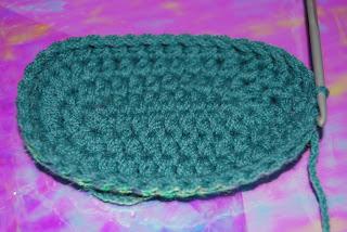 free crochet bootie pattern-free crochet baby patterns-crochet patterns