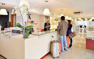 Recepción de Bed4U Hotels.