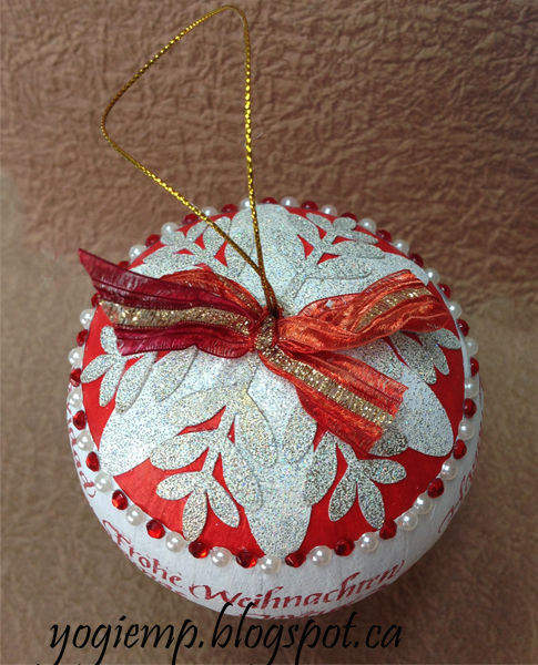 http://yogiemp.com/Crafts/MCDec15_XmasOrnament_InternationalMerryChristmas.html