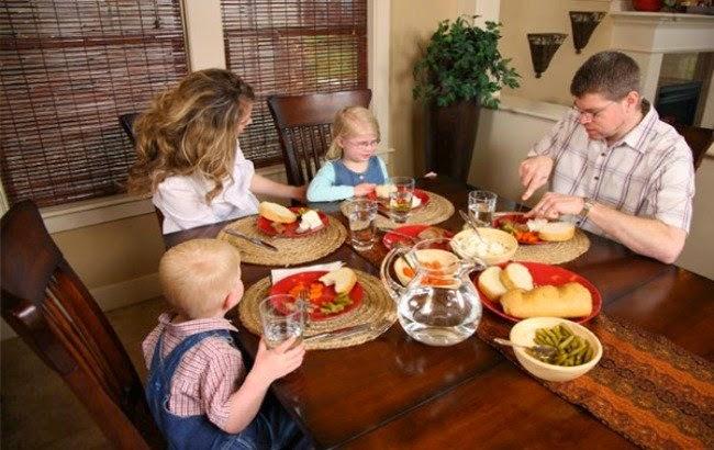 Come en Familia