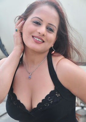 Hot Actress Tanisha Spicy Photos