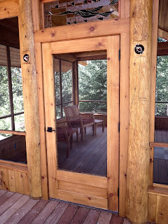 simple solid screen door made of western red cedar, huisman, screen house