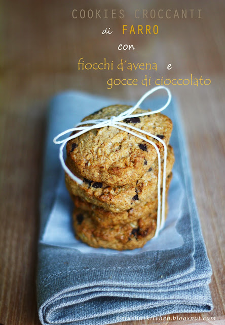 cookies croccanti di farro con fiocchi d'avena e gocce di cioccolato