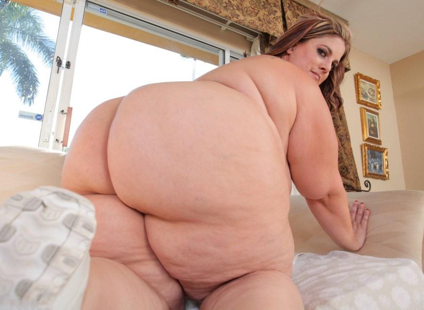 naked babe masturbating gif