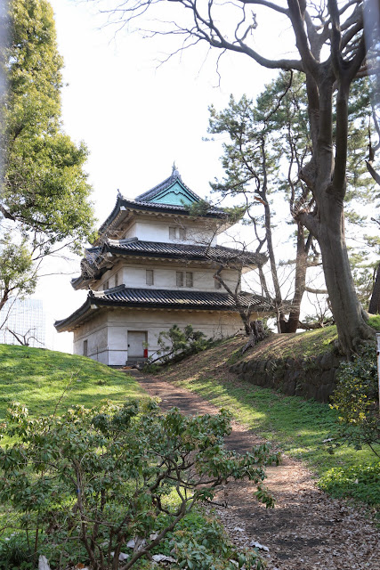 Fujimi-Yagura is a building for storage and defense as well as the place to enjoy the view of fireworks at Ryogoky and Tokyo bay at Imperial Palace East Garden