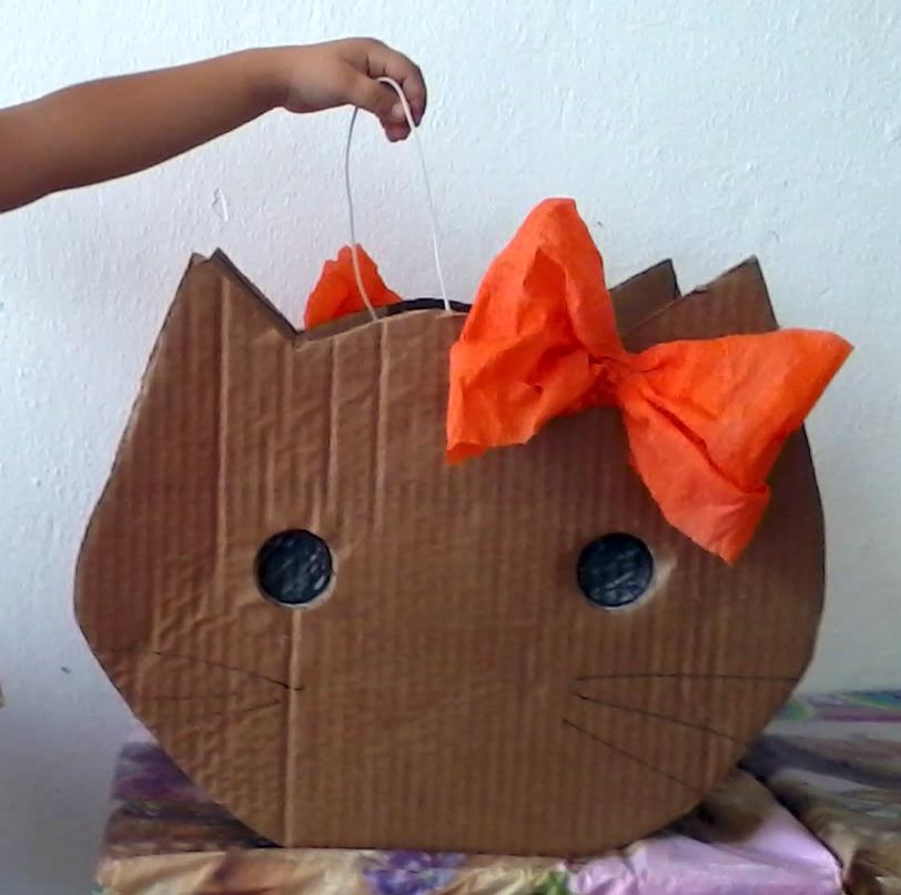 Como hacer piatas de hello como hacer una pinata de - Como hacer una caja de carton ...