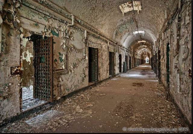 World Of Mysteries: Two Abandoned Prisons (33 pics)