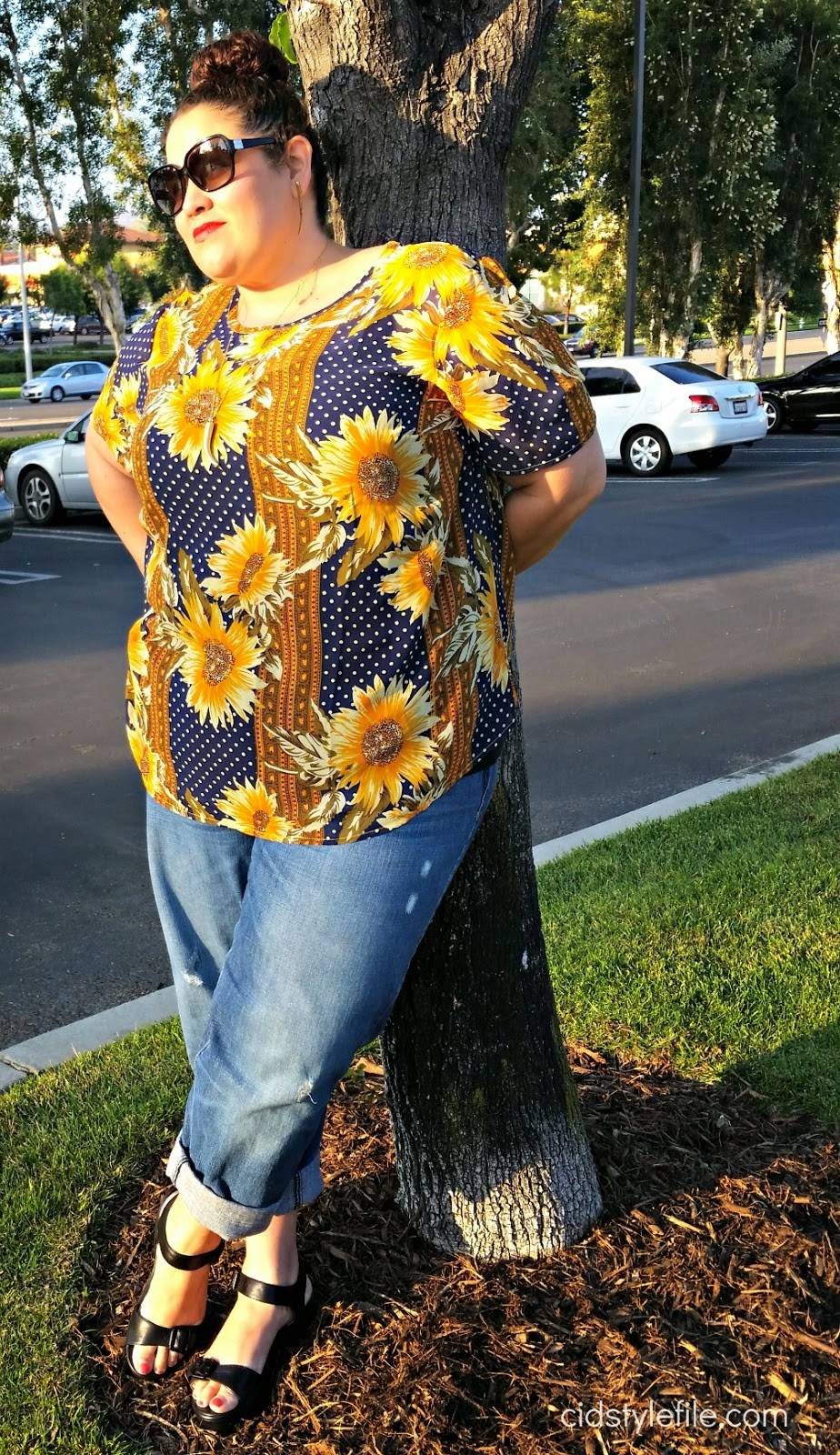 ootd, sunflowers, polka dot, asos, curve, plus size fashion, boyfriend jeans, old lady chic