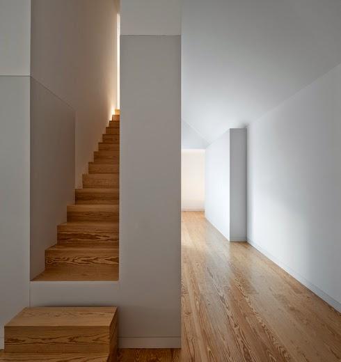 Simplicity love house in leiria portugal aires mateus for House in leiria aires mateus