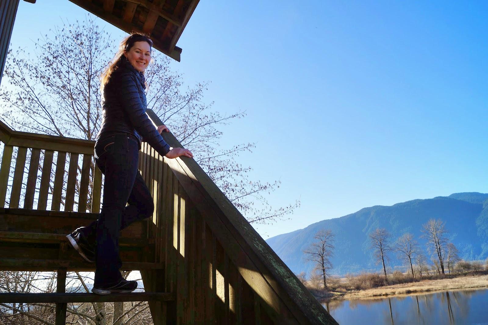 Вышка с видом на озеро и всю долину