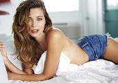 Sandra Kubicka looks gorgeous in lingerie