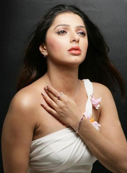 bhumika chawla unseen new cute stills
