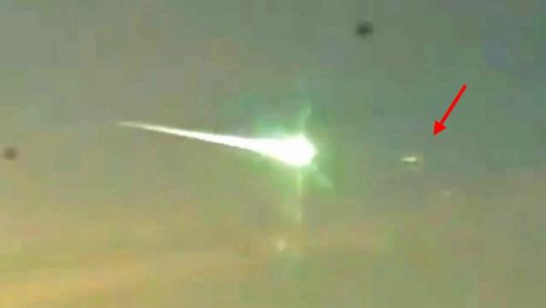 ¿Fue un OVNI lo que Derribó al Meteorito de Rusia?