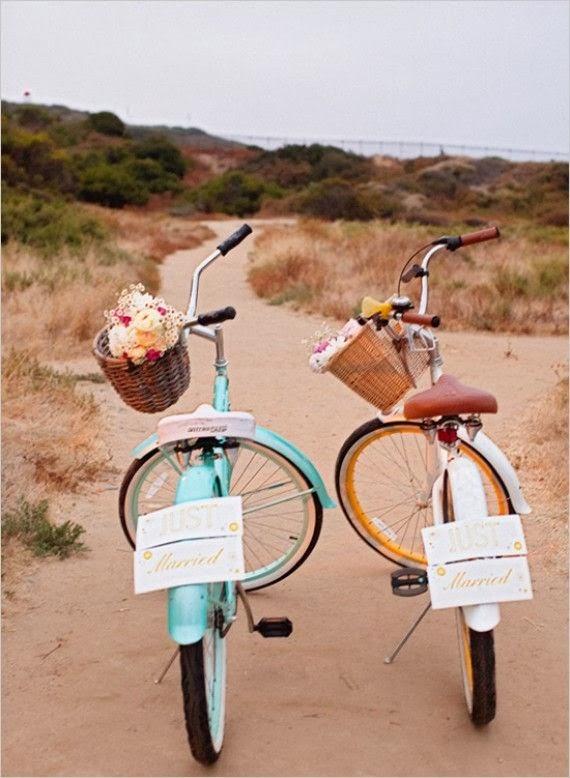 novios bicicleta