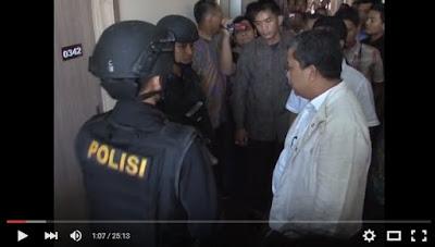 Video Kegadungan Fahri Hamzah dan Brimob