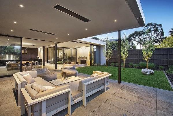 Casas minimalistas y modernas casa moderna en brighton for Casas premoldeadas minimalistas