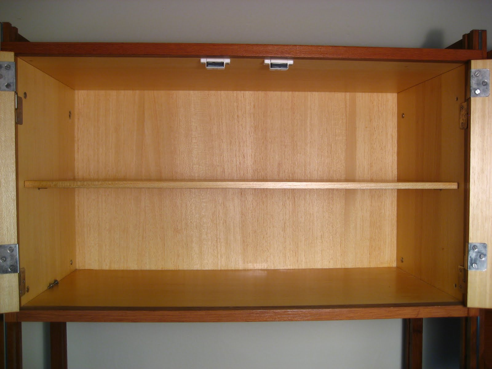 http://3.bp.blogspot.com/-0tejlLKKWAw/TfUXKcDnkkI/AAAAAAAACcE/KikLNoKPNa0/s1600/teak+modular+wall+unit+010.jpg