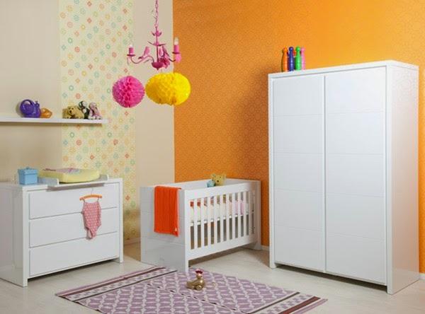 Dormitorios en naranja y blanco para bebés - Dormitorios ...