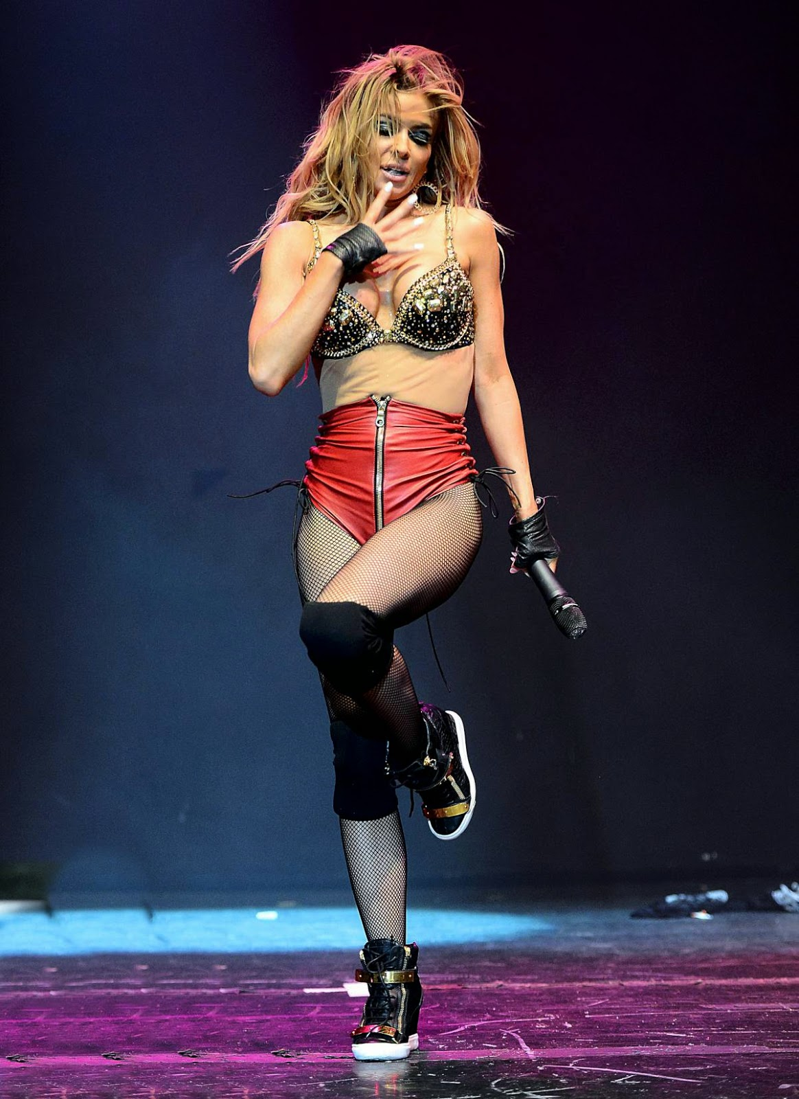 Carmen Electra - HOT Elevate Concert in Los Angeles Photos