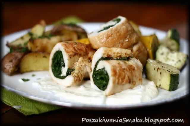 Roladki z kurczaka ze szpinakiem i pieczone warzywa
