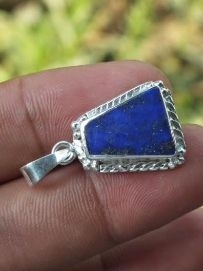 batu lapiz lazuli