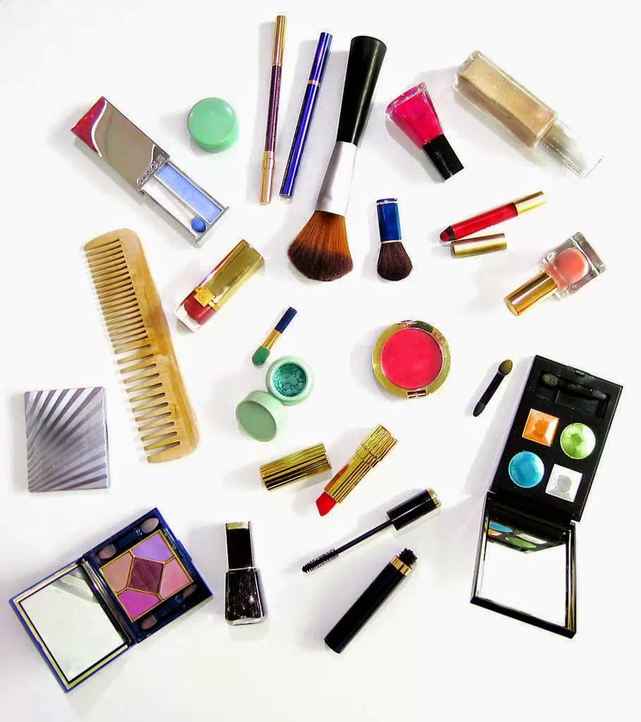 Bahaya Kosmetik Wanita
