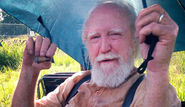 Scott Wilson (Hershel) en el set de The Walking Dead 4x08