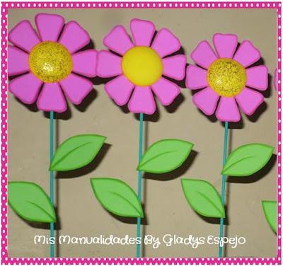 ef02660334a Estas flores son hechas en fomi o goma eva