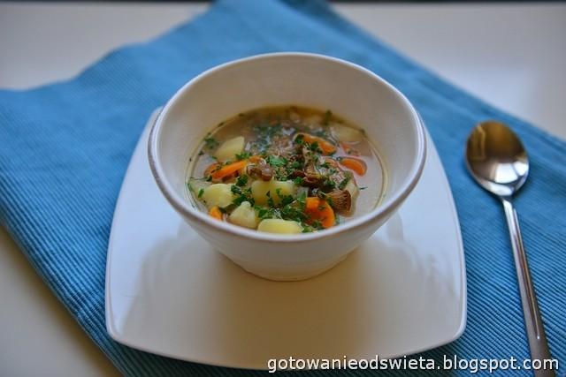 Zupa grzybowa (z kurkami)