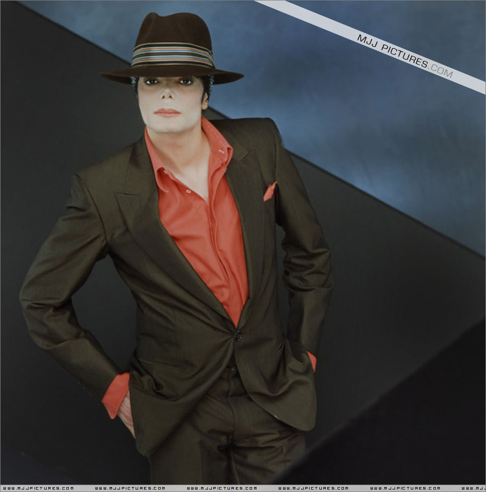 http://3.bp.blogspot.com/-0uq2huVJQbI/TtL-9kOMtpI/AAAAAAAAI2M/jc_uy7o85D8/s1600/You-Rock-My-World-michael-jackson-7957443-989-1000.jpg