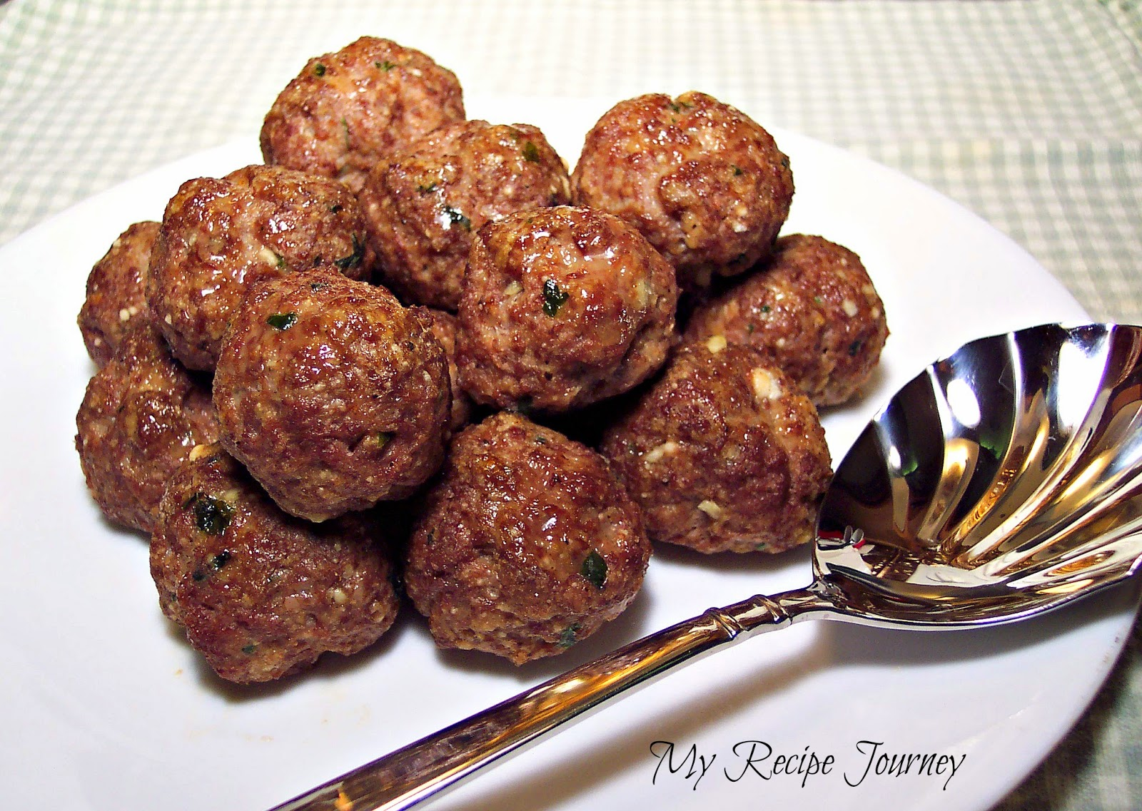 Old Fashioned Classic Italian Meatballs - Family Recipe