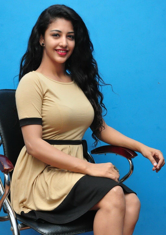 Daksha Nagarkar Latest...