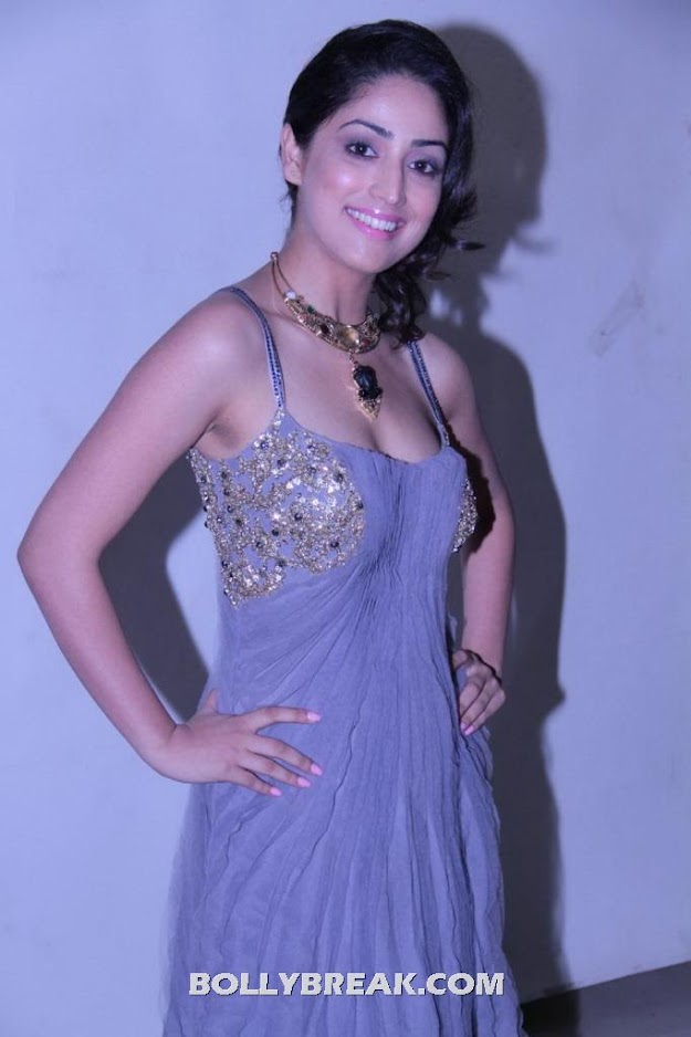 Yami gautam Hot Pic - Yami gautam Latest Hot Pics - June 2012
