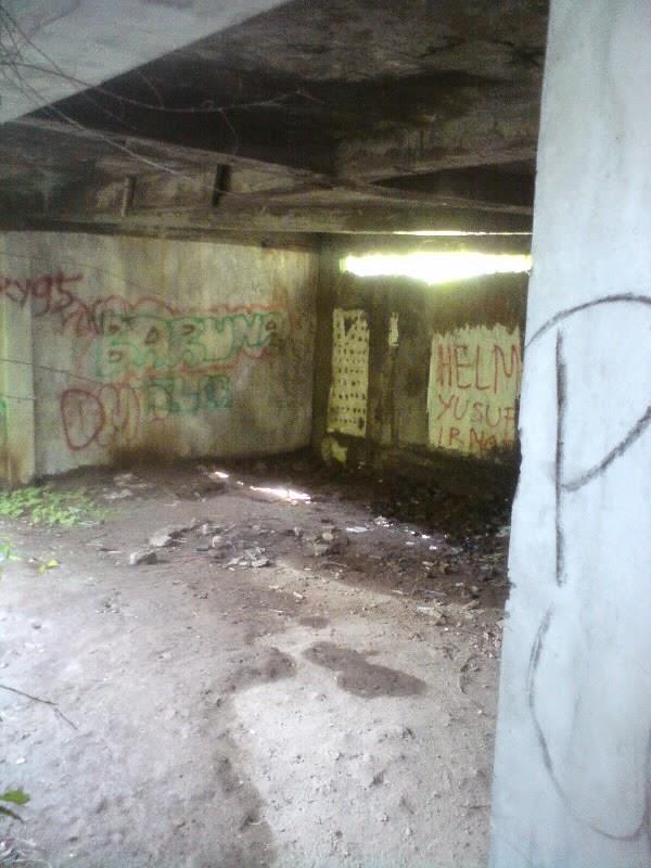 rumah hantu darmo lantai bawah tanah