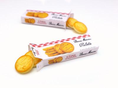 Miniature box of Bonne Maman cookies