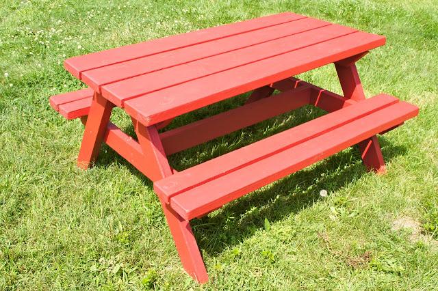 Easy diy kid sized picnic table kids picnic table plans for Easy to build picnic table plans