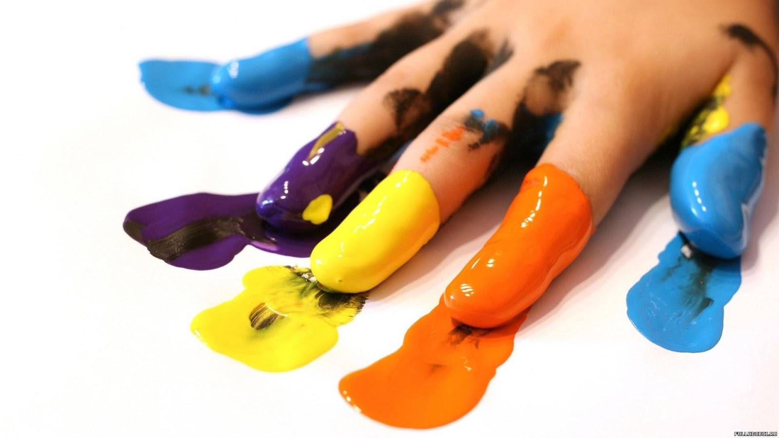 Inquietações Sobre o Trabalho com Carimbo de Mãos nas Escolas