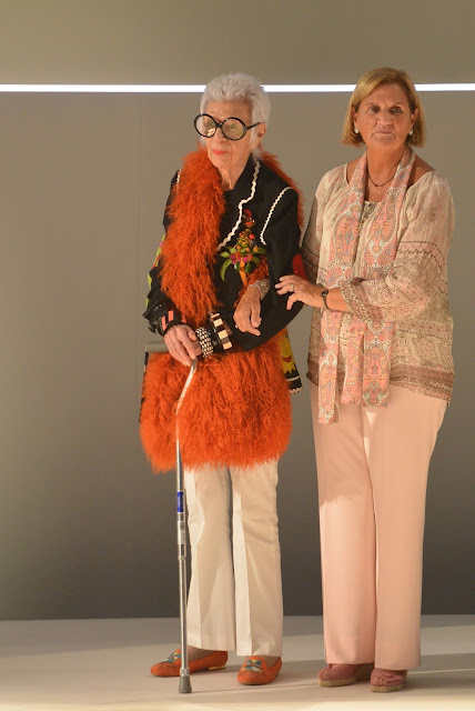 Iris Apfel 080 Barcelona Fashion 2015