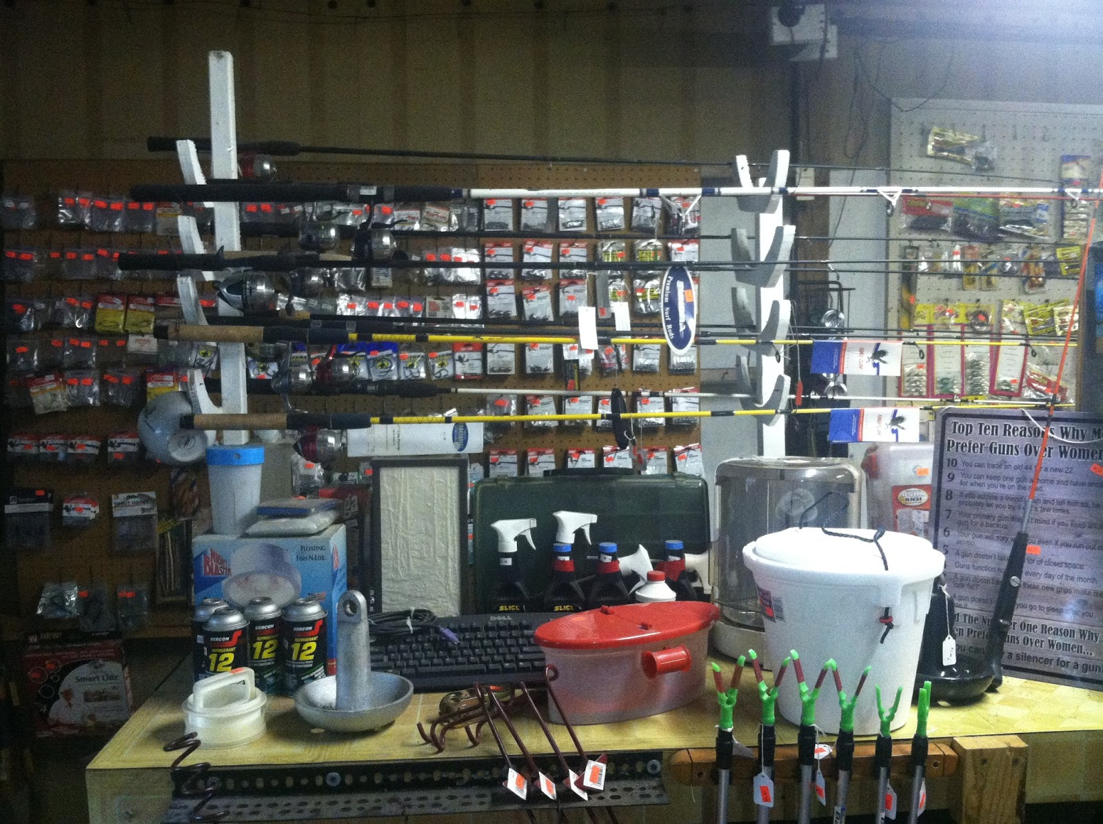 Capitol outdoors illinois 39 hunting and fishing resource for Fishing tackle store near me
