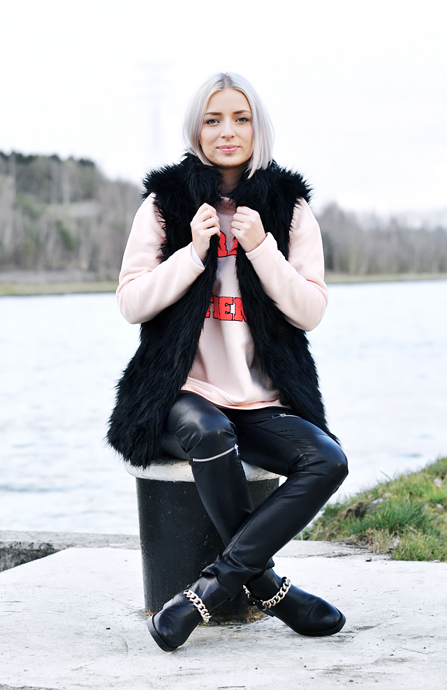 Leather pants, zippers, zara, trend, chain boots, zara, sale, fur jacket, spring summer trends